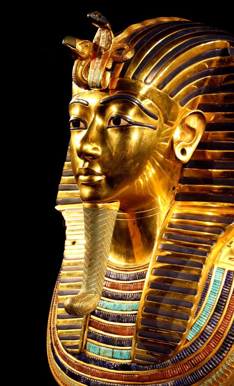 tutankhamun-death-mask-pharaonic-egypt