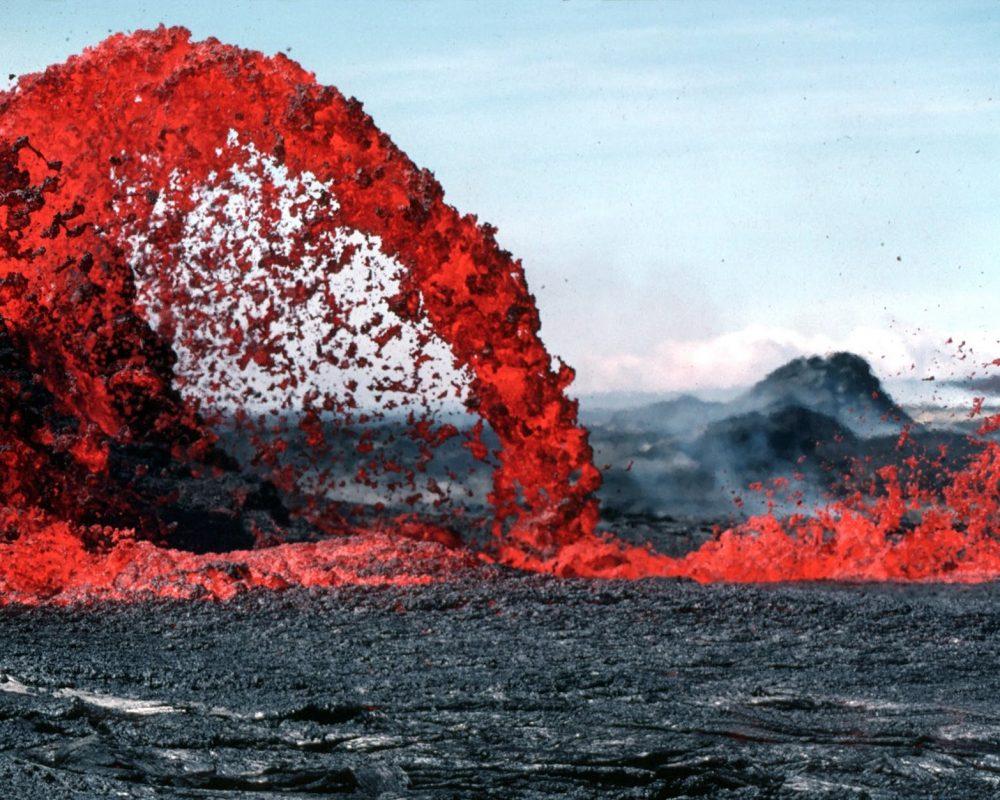 lava-magma-volcanic-eruption-glow-73830